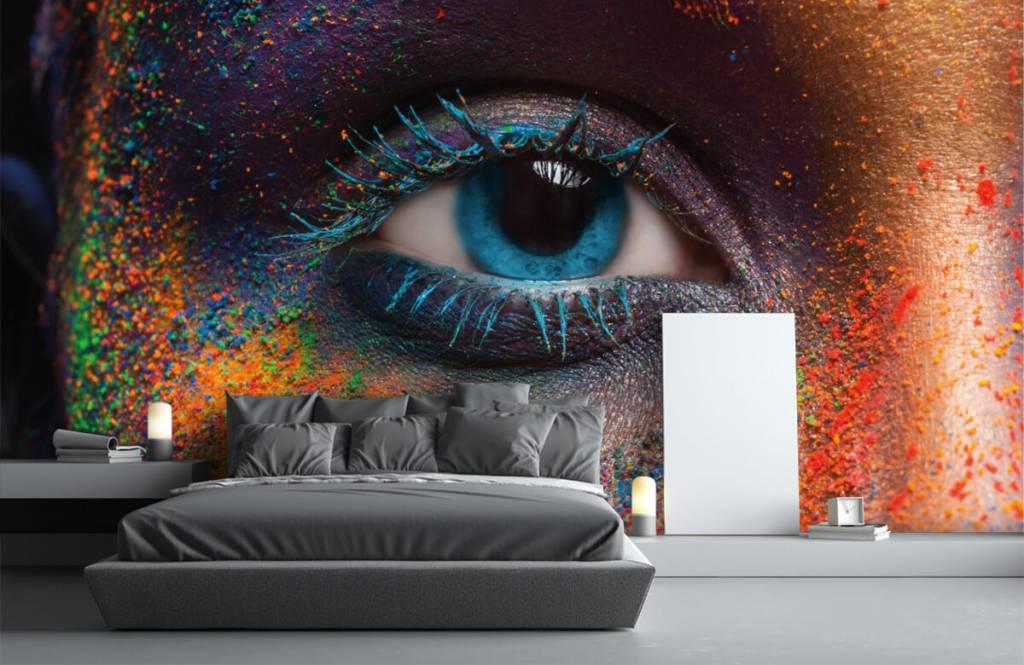 Portetten und Gesichter - Buntes Auge - Flur 3
