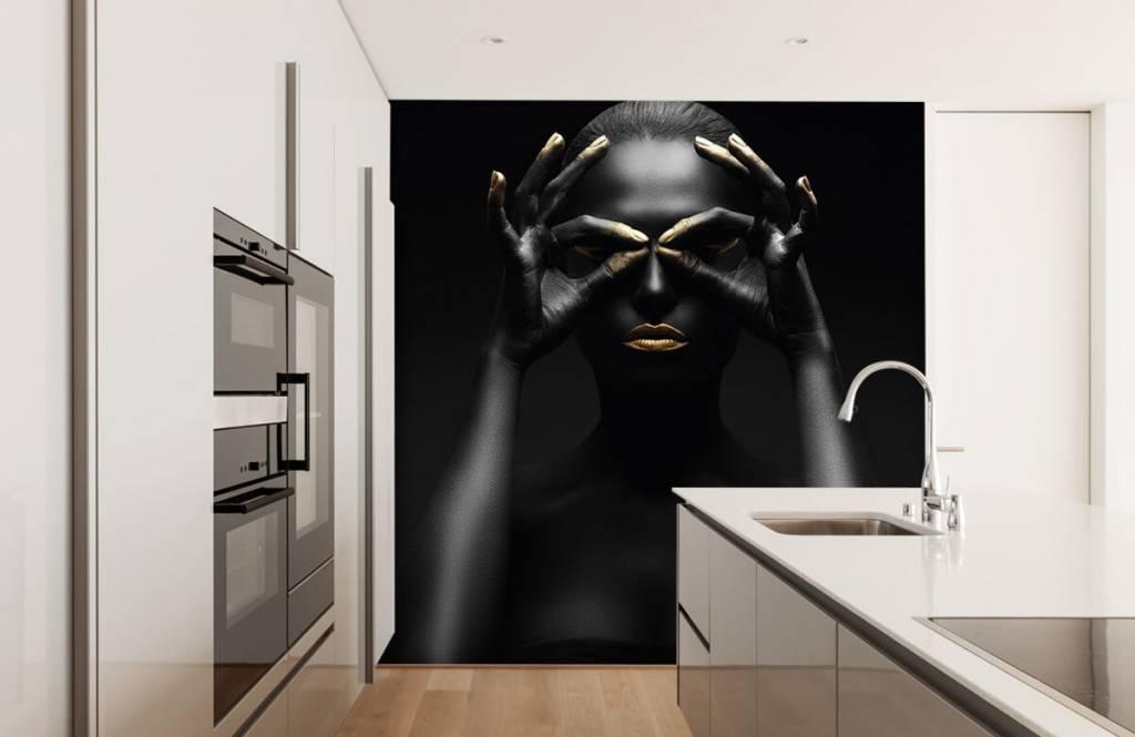 Portetten und Gesichter - schwarz geschminkte Frau - Wohnzimmer 2