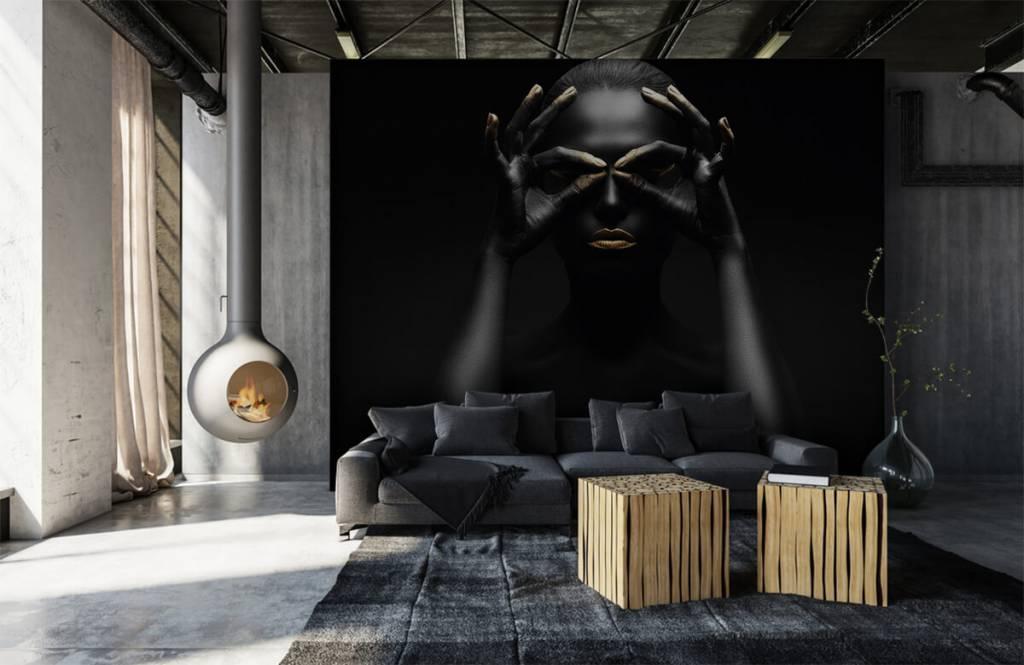Portetten und Gesichter - schwarz geschminkte Frau - Wohnzimmer 5