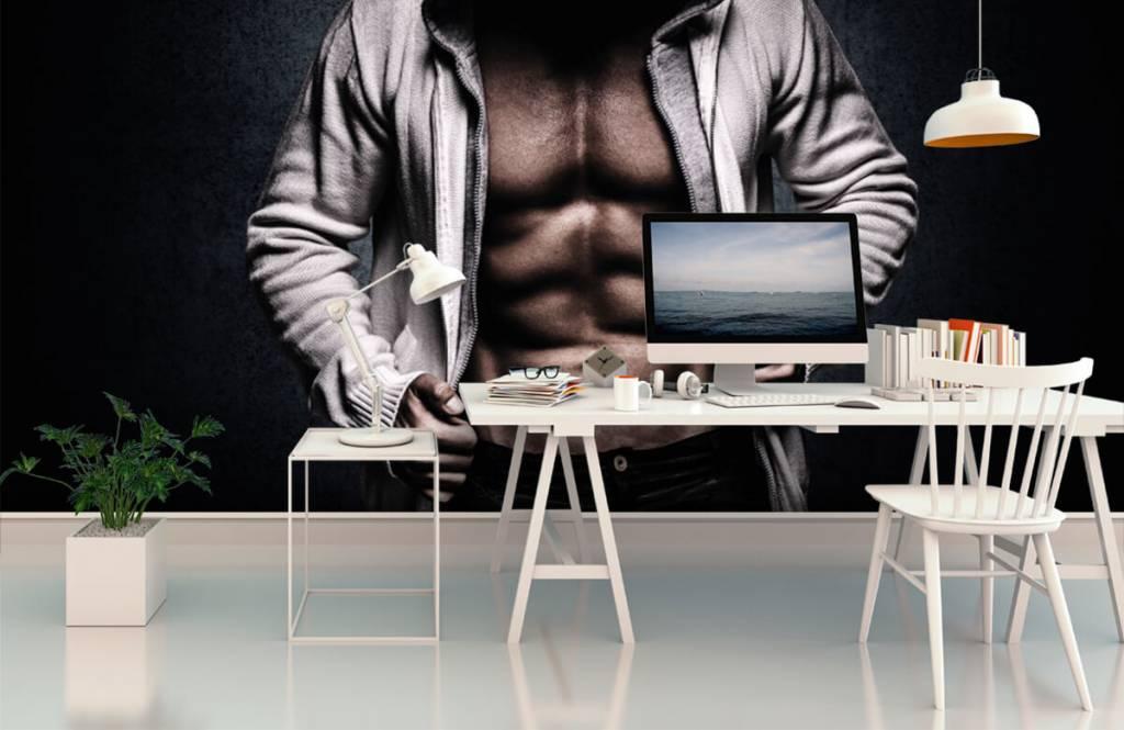 Fitness - Muskulöser Mann - Hobbyzimmer 3
